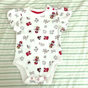 Minnie Mouse Disney onsie size 12-18 months NWOT